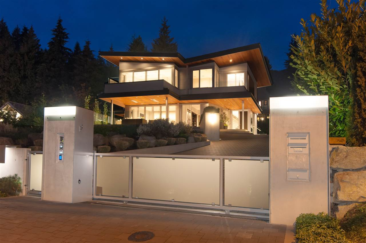 3023 MATHERS AVENUE, West Vancouver