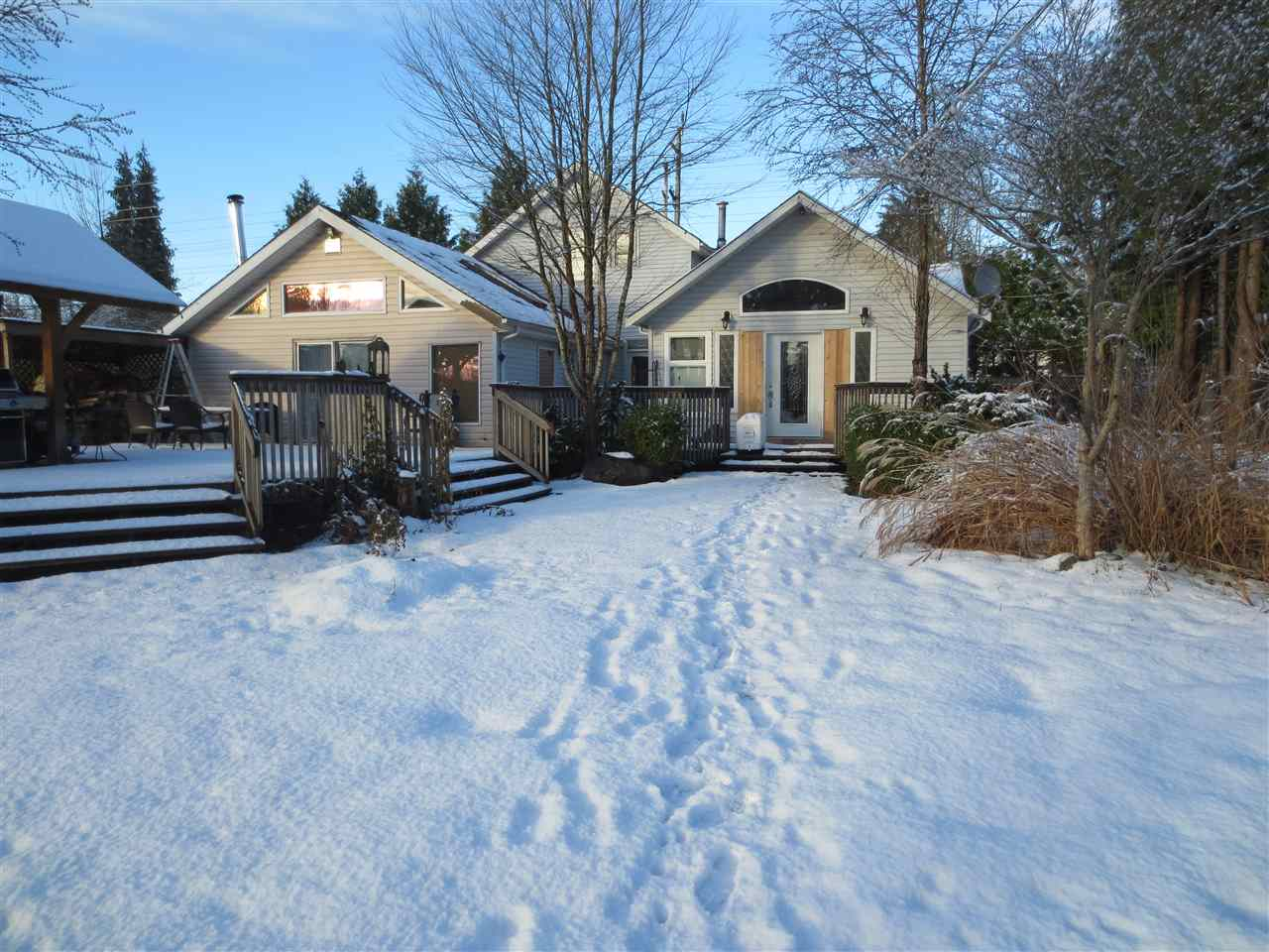 25038 DEWDNEY TRUNK ROAD, Maple Ridge