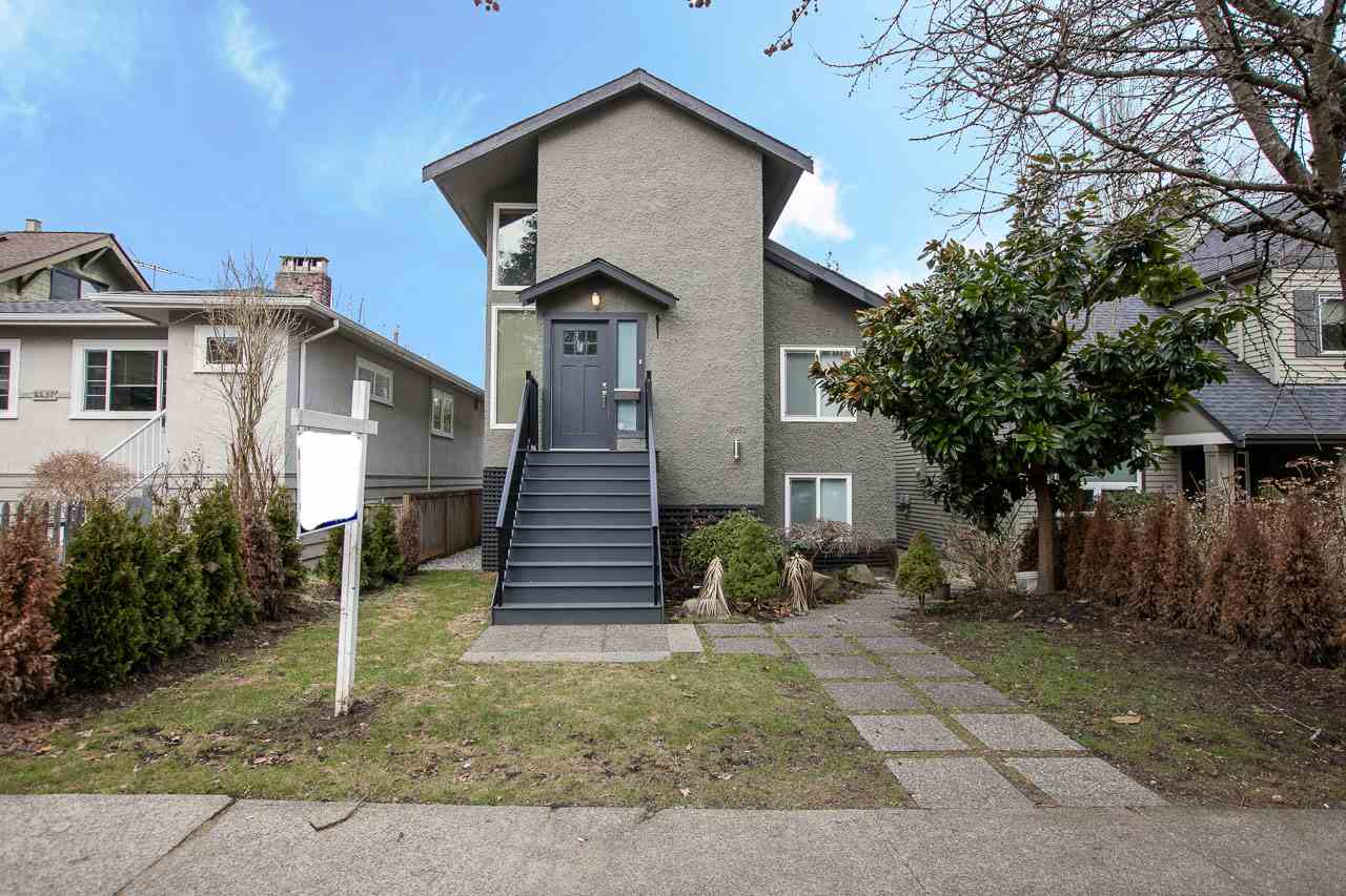 4453 W 13TH Point Grey, Vancouver (R2140720)