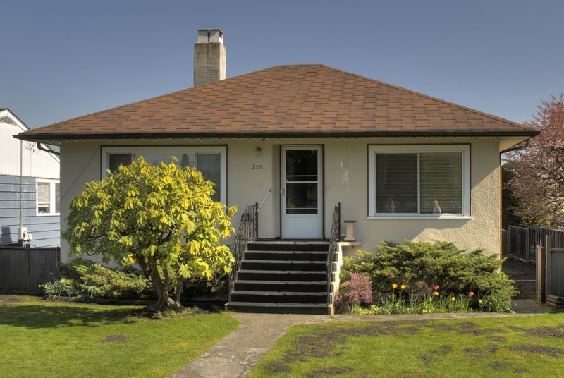 226 CHURCHILL AVENUE, New Westminster