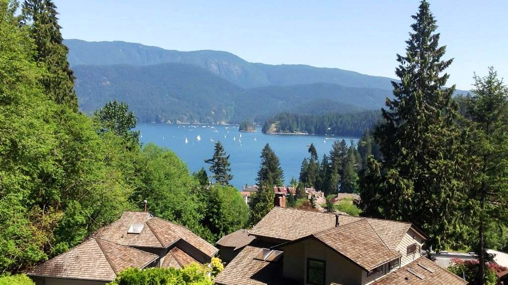 2095 CLIFFWOOD Deep Cove, North Vancouver (R2148186)