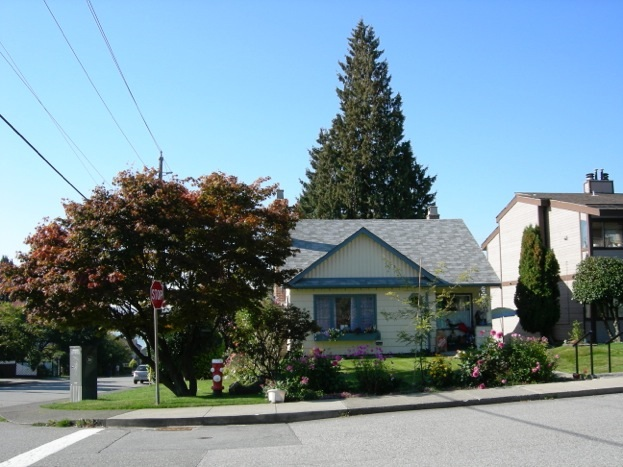 279 E 6TH STREET, North Vancouver