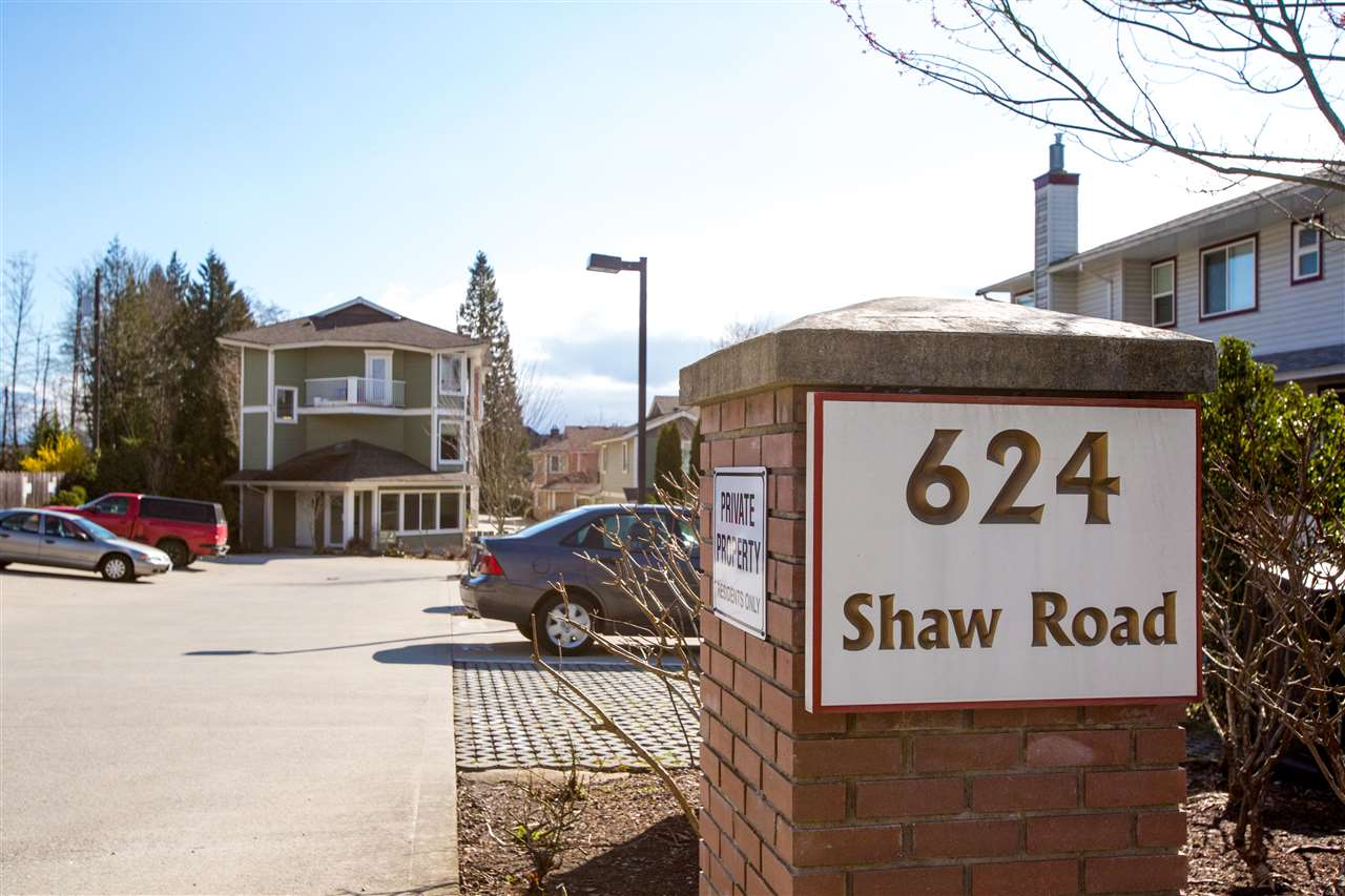 304 624 SHAW ROAD, Gibsons