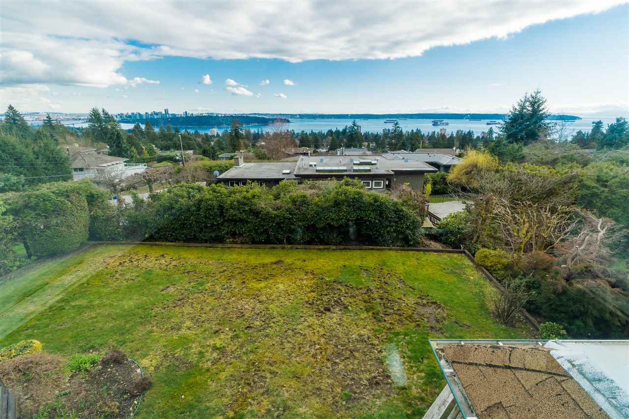 1802 ROSEBERY Queens, West Vancouver (R2151442)