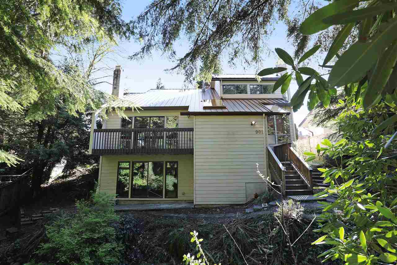 901 FOREST HILLS Edgemont, North Vancouver (R2158169)