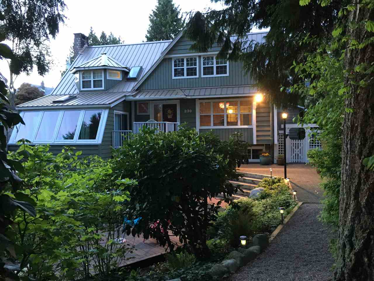 230 W 22ND STREET, North Vancouver