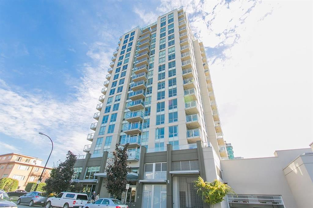 320 135 E 17TH STREET, North Vancouver