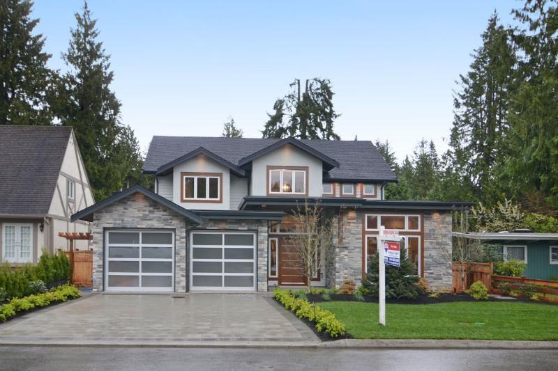 4372 CAROLYN DRIVE, North Vancouver