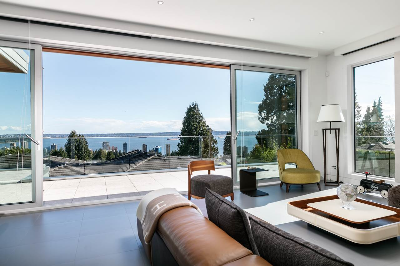 1715 22ND STREET, West Vancouver