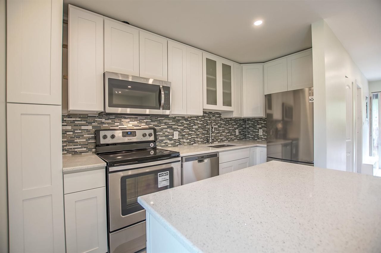 412 235 KEITH ROAD, West Vancouver
