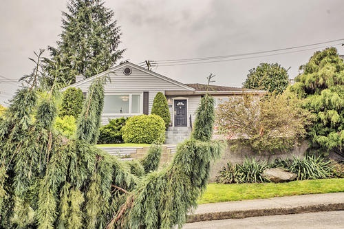 802 BURNABY STREET, New Westminster