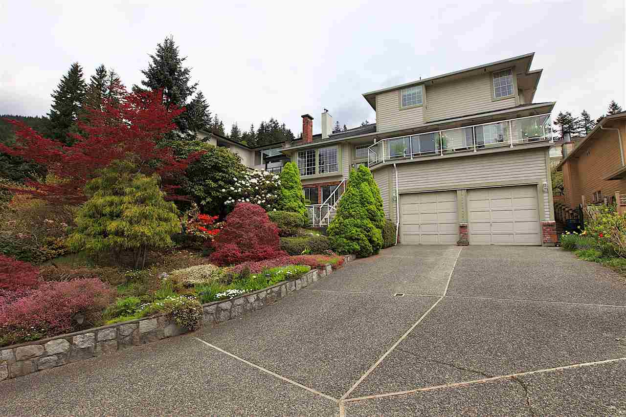 4202 STARLIGHT Upper Delbrook, North Vancouver (R2166619)