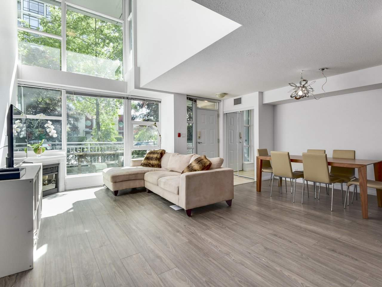 TH7 -  168 E ESPLANADE #TH7 Lower Lonsdale, North Vancouver (R2171501)