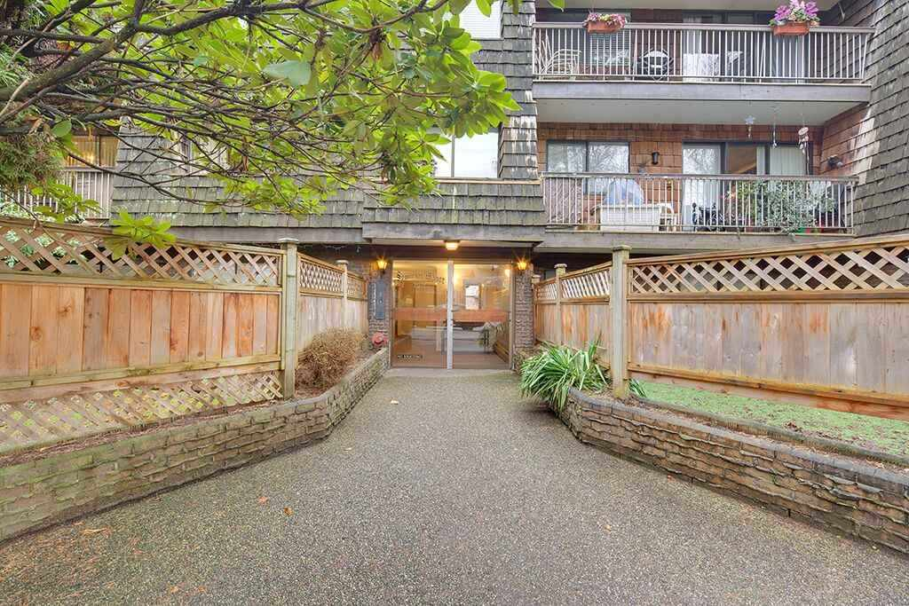304 327 W 2ND STREET, North Vancouver