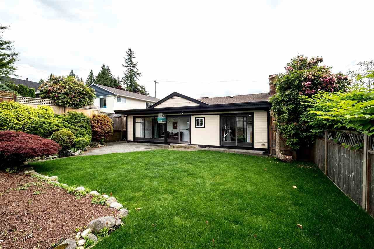 432 W QUEENS Upper Lonsdale, North Vancouver (R2176449)