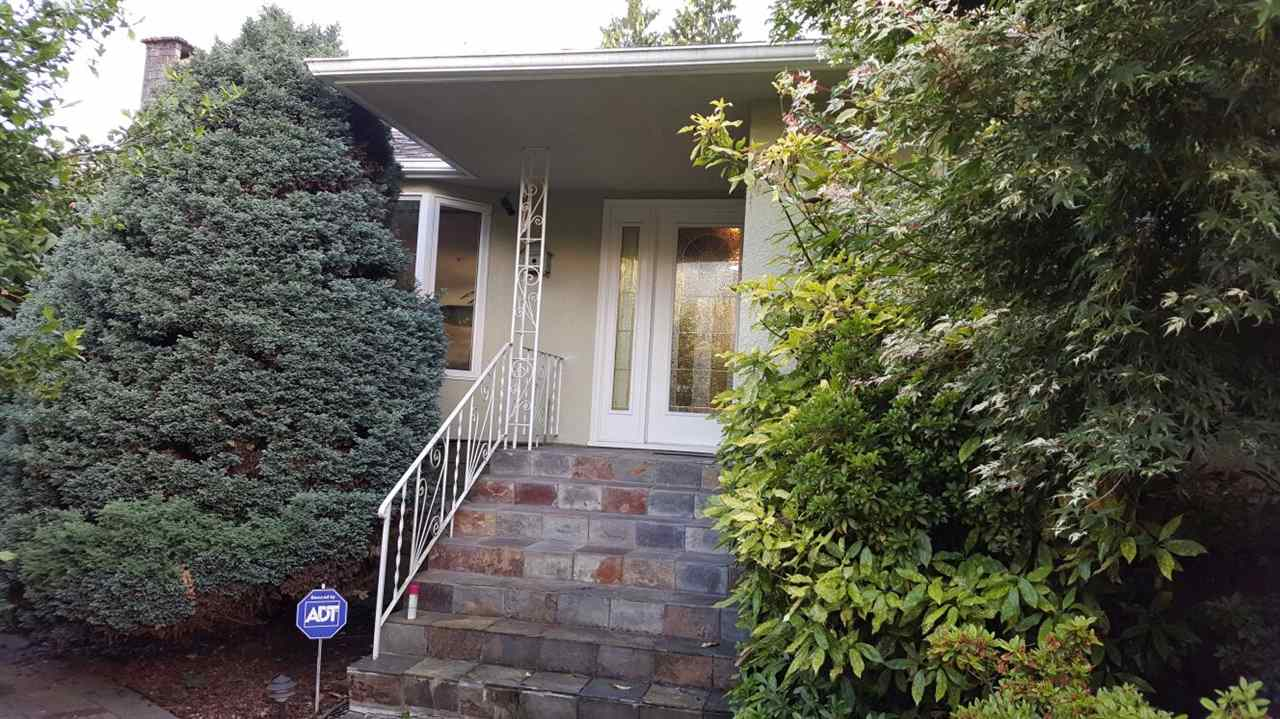 815 W 21ST STREET, North Vancouver