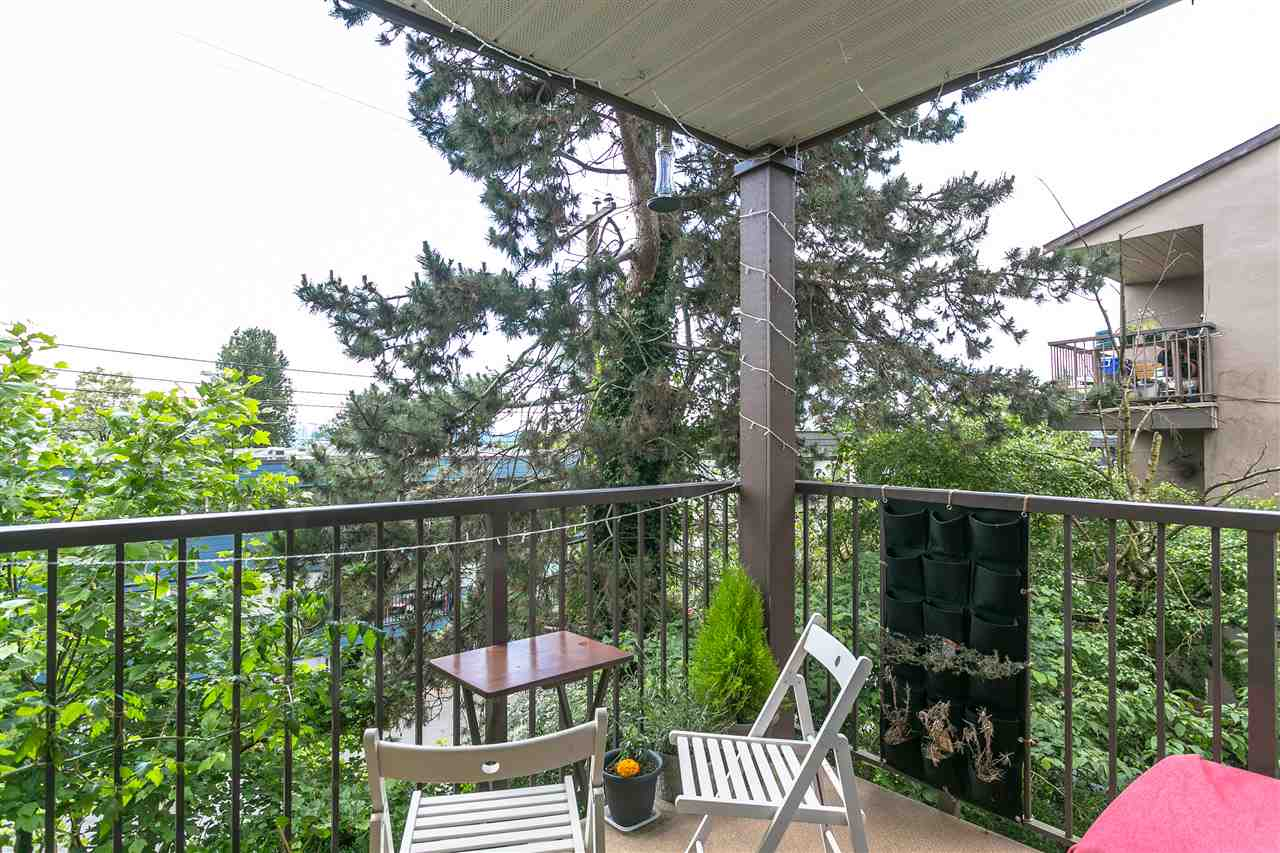 204 235 W 4TH STREET, North Vancouver