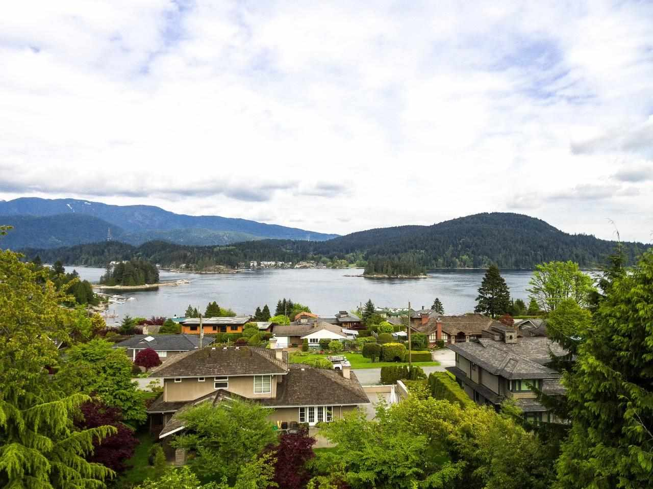 858 BAYCREST DRIVE, North Vancouver