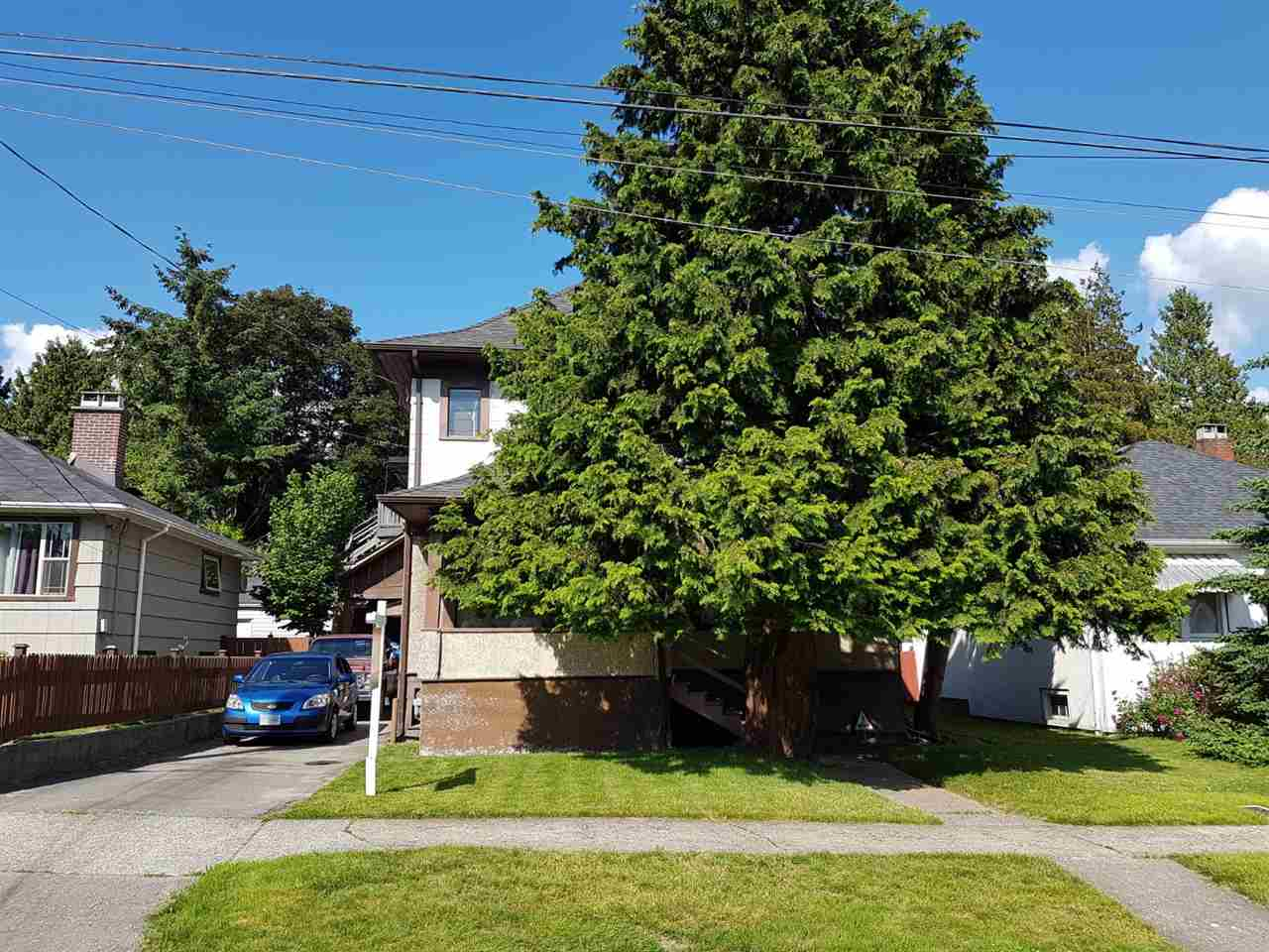 319 ASH STREET, New Westminster