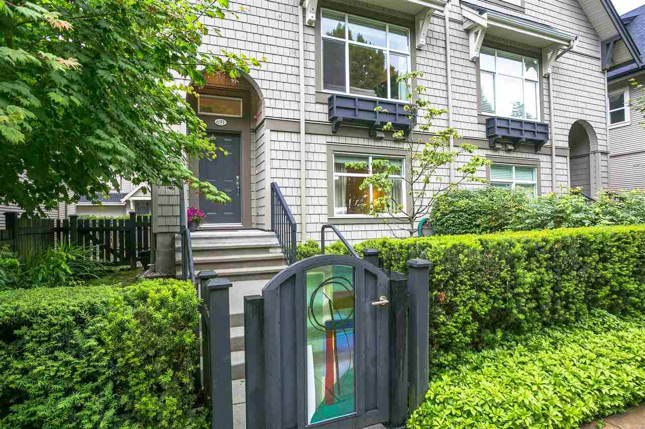 691 PREMIER STREET, North Vancouver