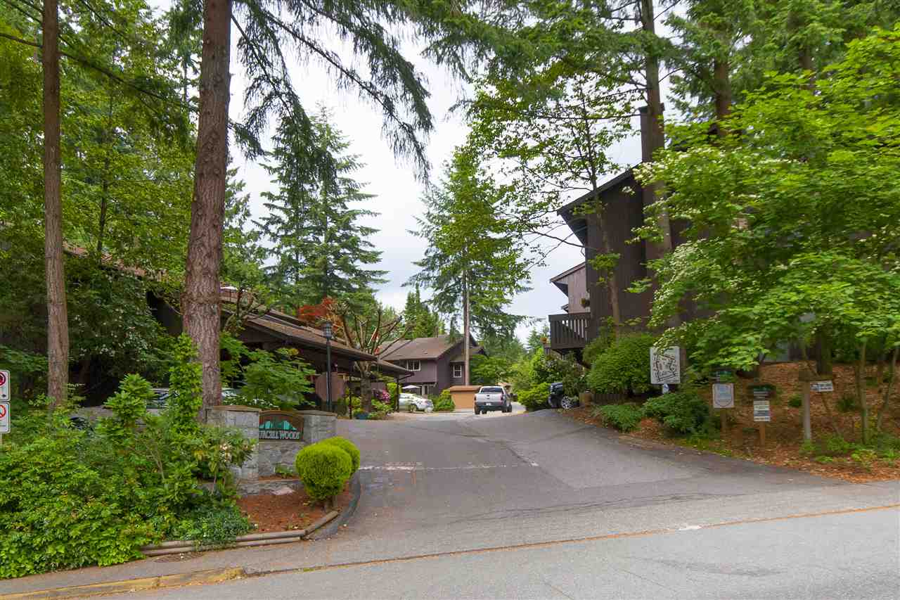 1862 PURCELL WAY, North Vancouver