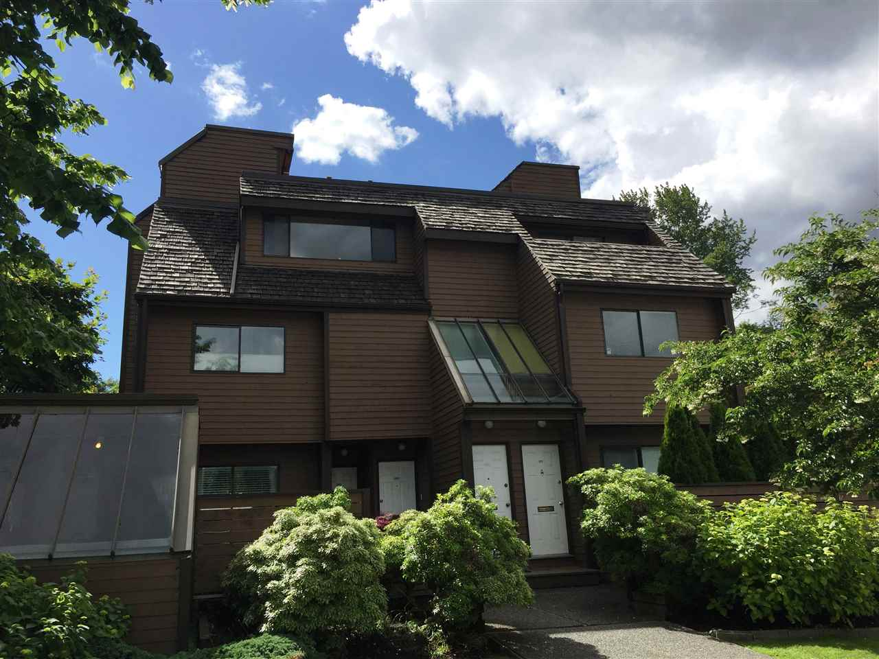 3347 MOUNTAIN HIGHWAY, North Vancouver