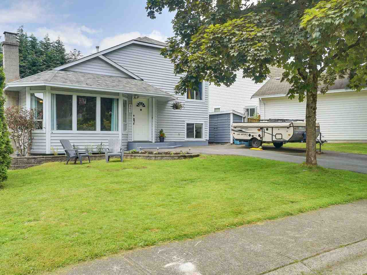 861 NAIRN COURT, North Vancouver