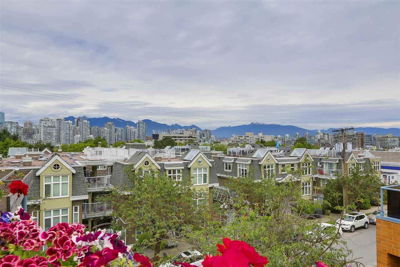 4 730 W 7TH AVENUE, Vancouver