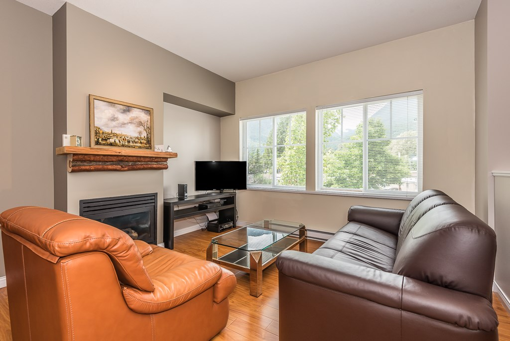 33 1800 MAMQUAM ROAD, Squamish