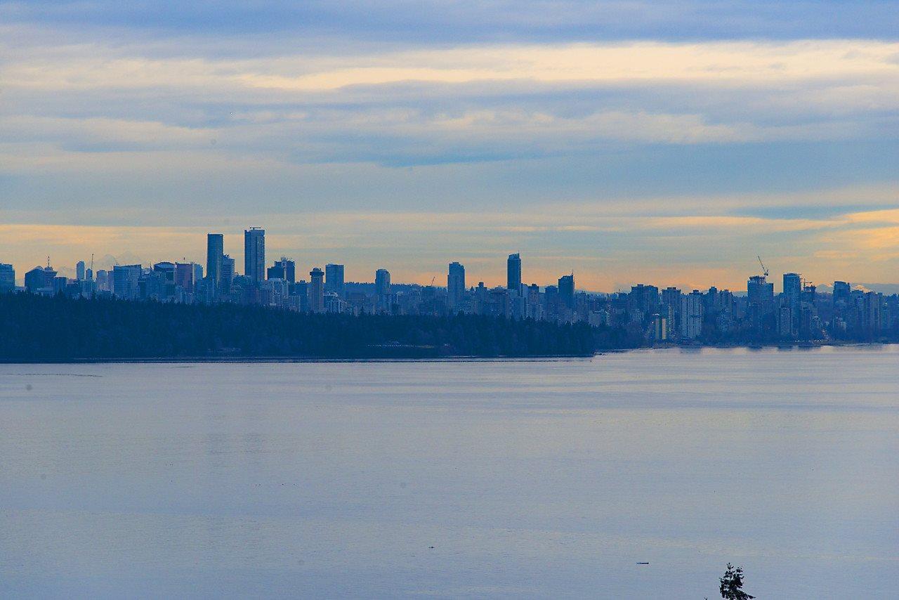 4103 BURKEHILL Bayridge, West Vancouver (R2180492)