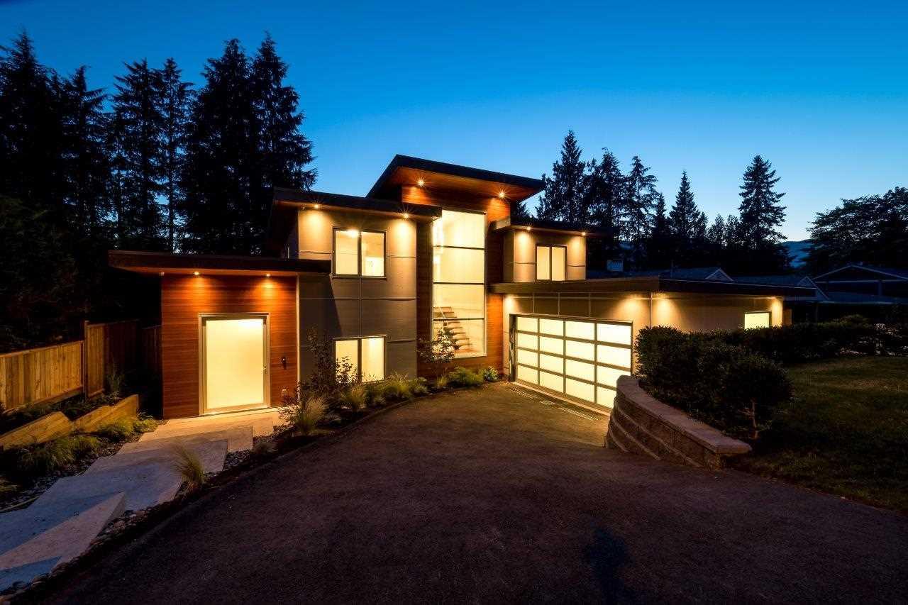 4731 CEDARCREST AVENUE, North Vancouver