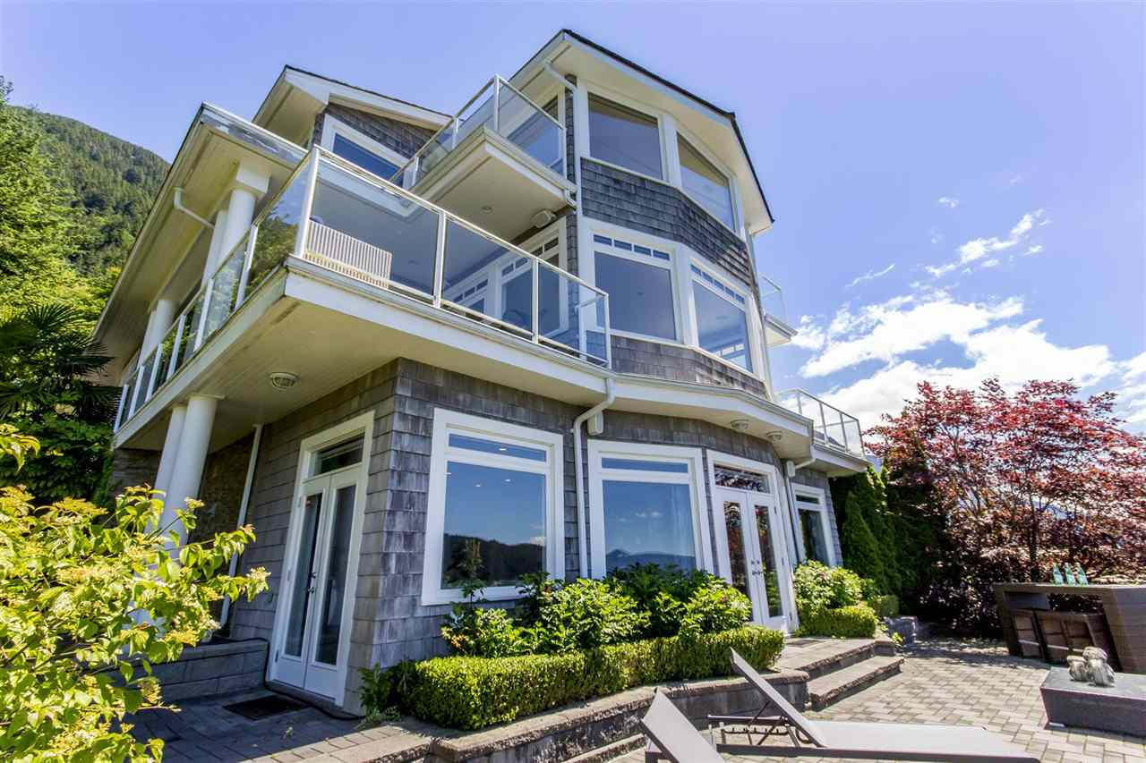 1 OCEAN POINT Howe Sound, West Vancouver (R2181314)