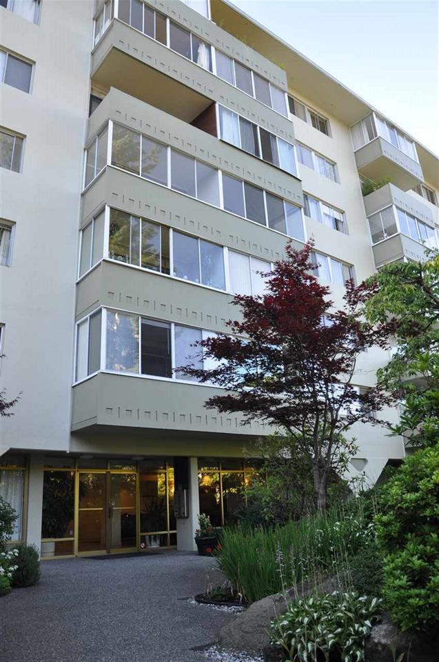 109 1425 ESQUIMALT AVENUE, West Vancouver