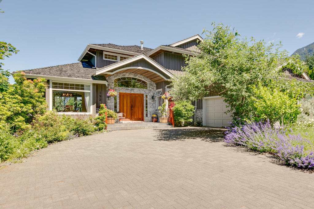 192 STONEGATE Furry Creek, West Vancouver (R2182913)
