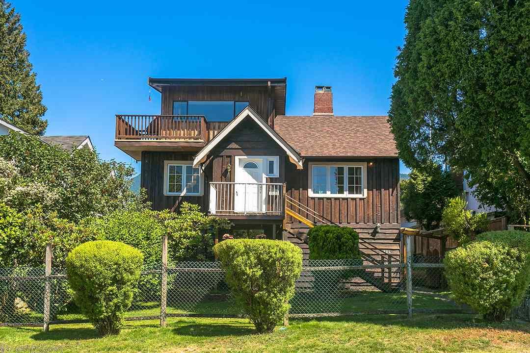 224 E 24 Central Lonsdale, North Vancouver (R2184038)