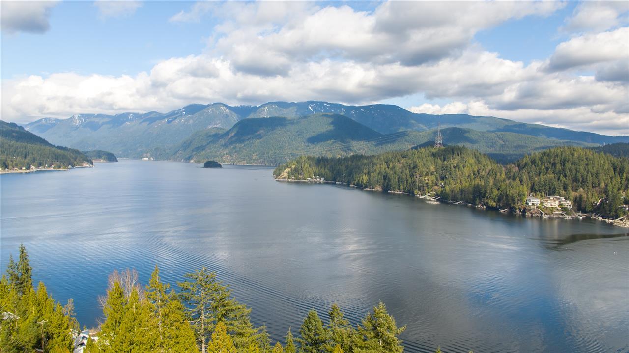 1672 ROXBURY Deep Cove, North Vancouver (R2184545)