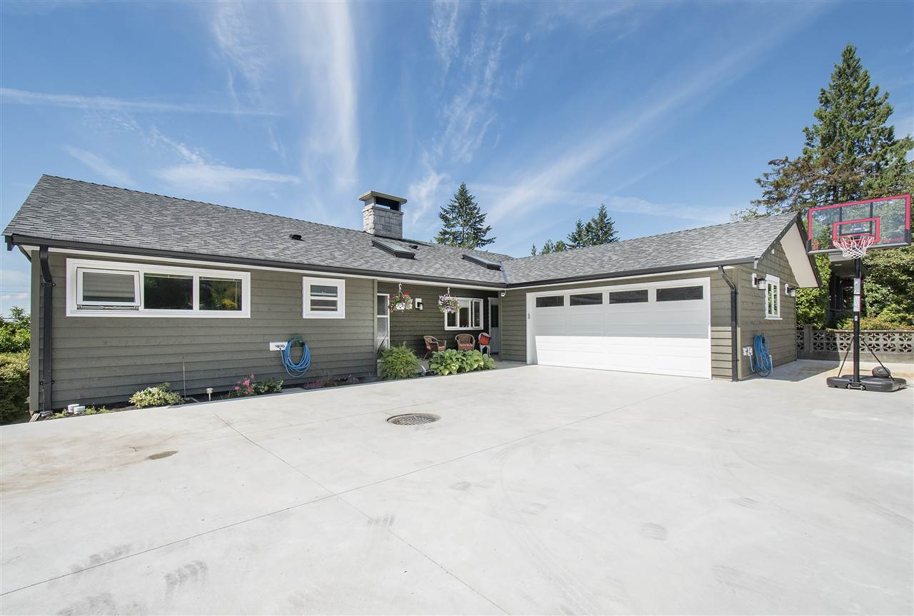 943 EVERGREEN PLACE, North Vancouver