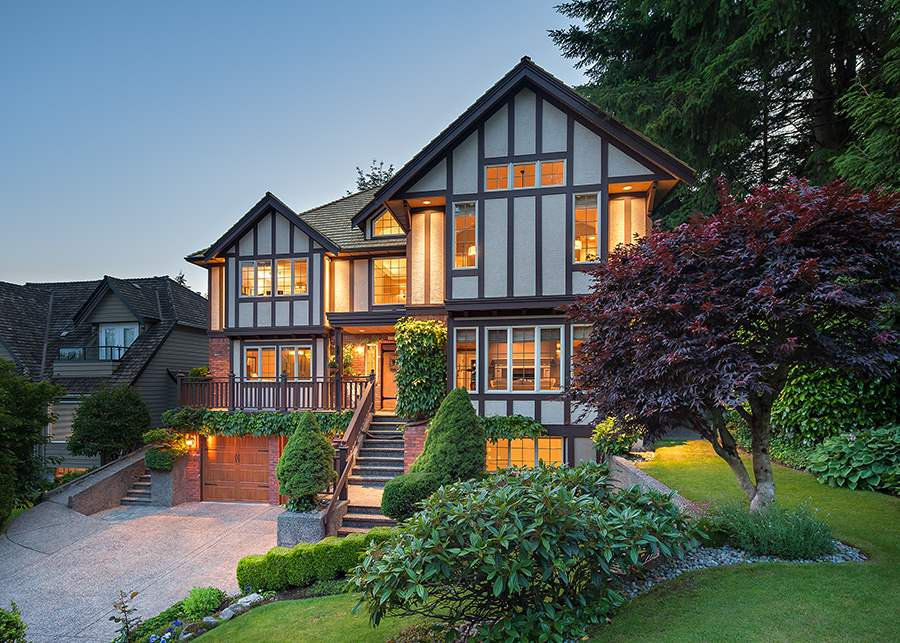1887 ORKNEY PLACE, North Vancouver