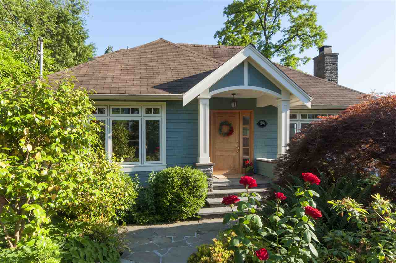 1074 FULTON Sentinel Hill, West Vancouver (R2186042)