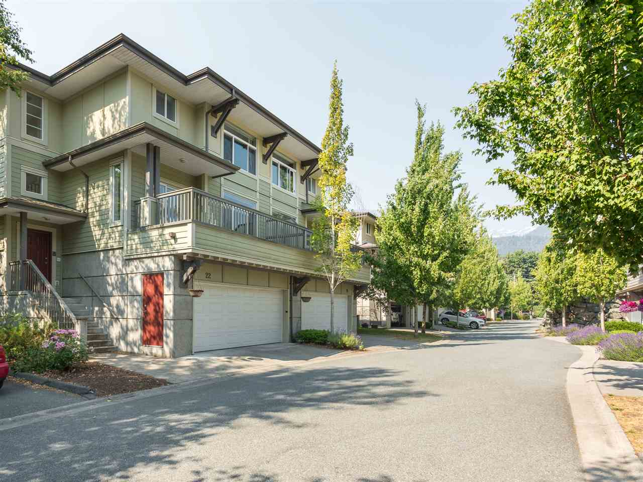 22 40632 GOVERNMENT ROAD, Squamish