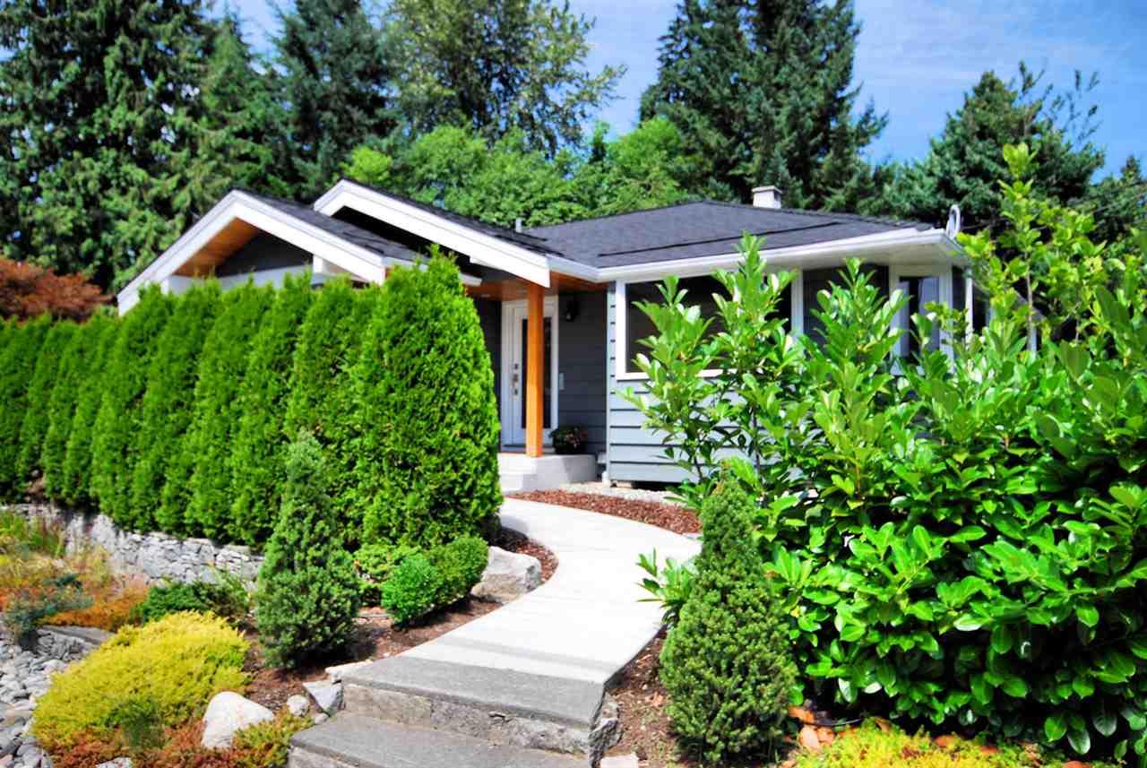 3404 EDGEMONT Edgemont, North Vancouver (R2190059)