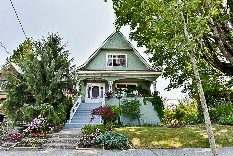 236 SIXTH Queens Park, New Westminster (R2190099)