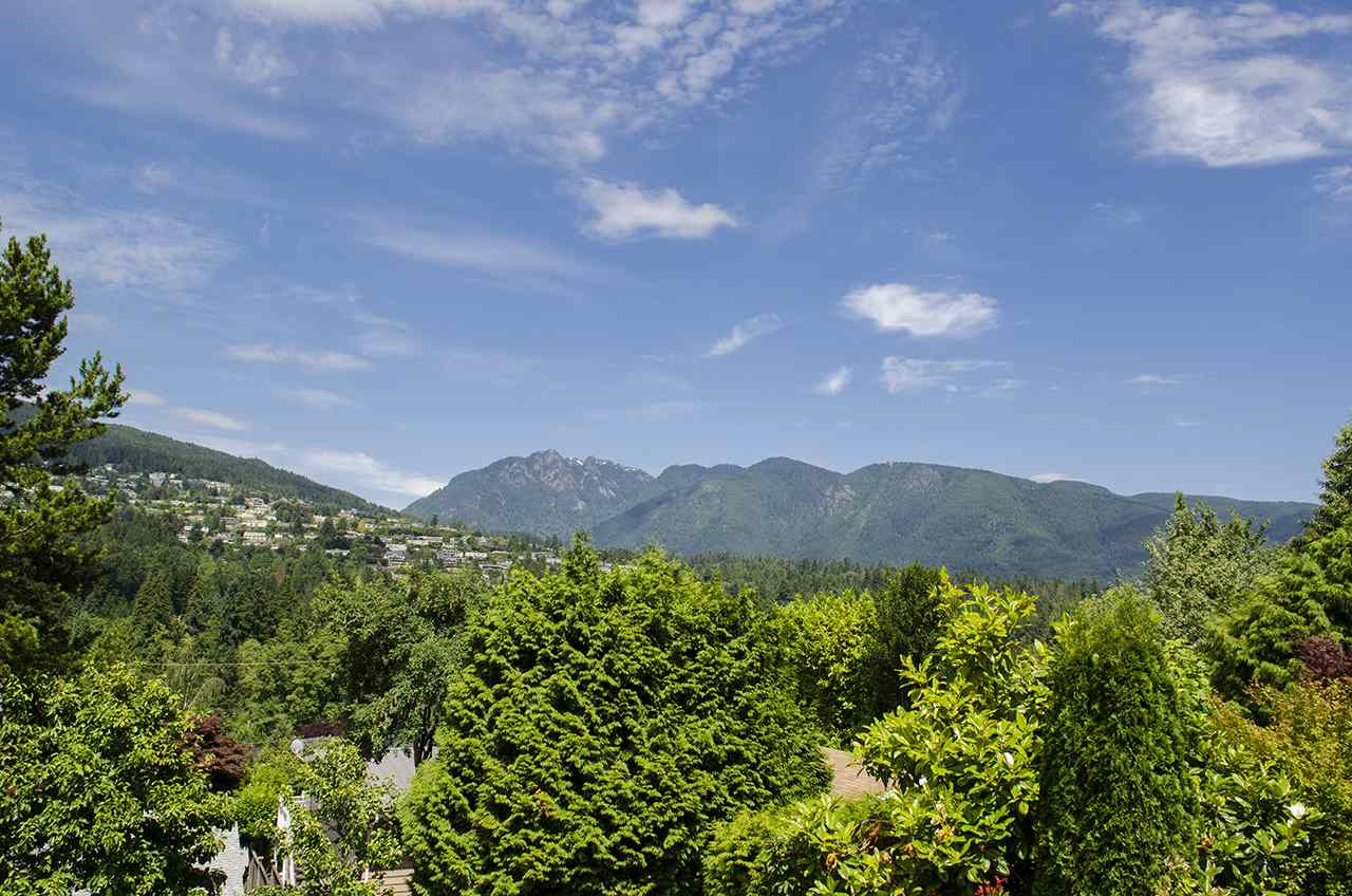 925 INGLEWOOD Sentinel Hill, West Vancouver (R2190973)