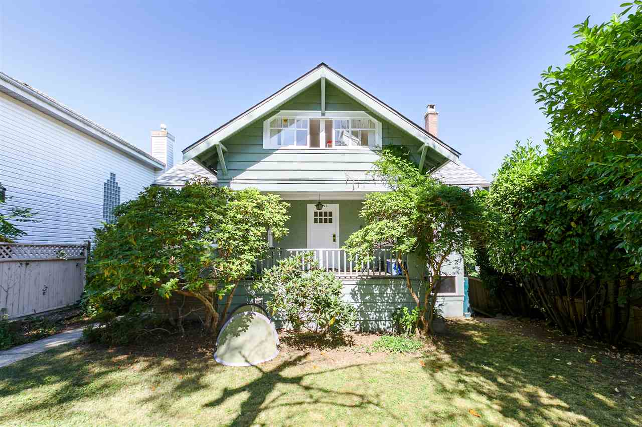 3811 W 14TH Point Grey, Vancouver (R2191408)