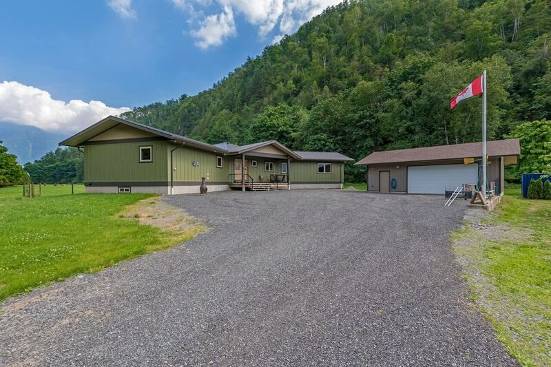 6230 MOUNTAIN VIEW ROAD, Agassiz