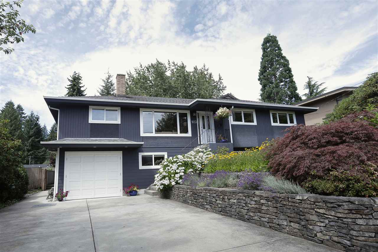 923 PLYMOUTH Windsor Park NV, North Vancouver (R2192152)