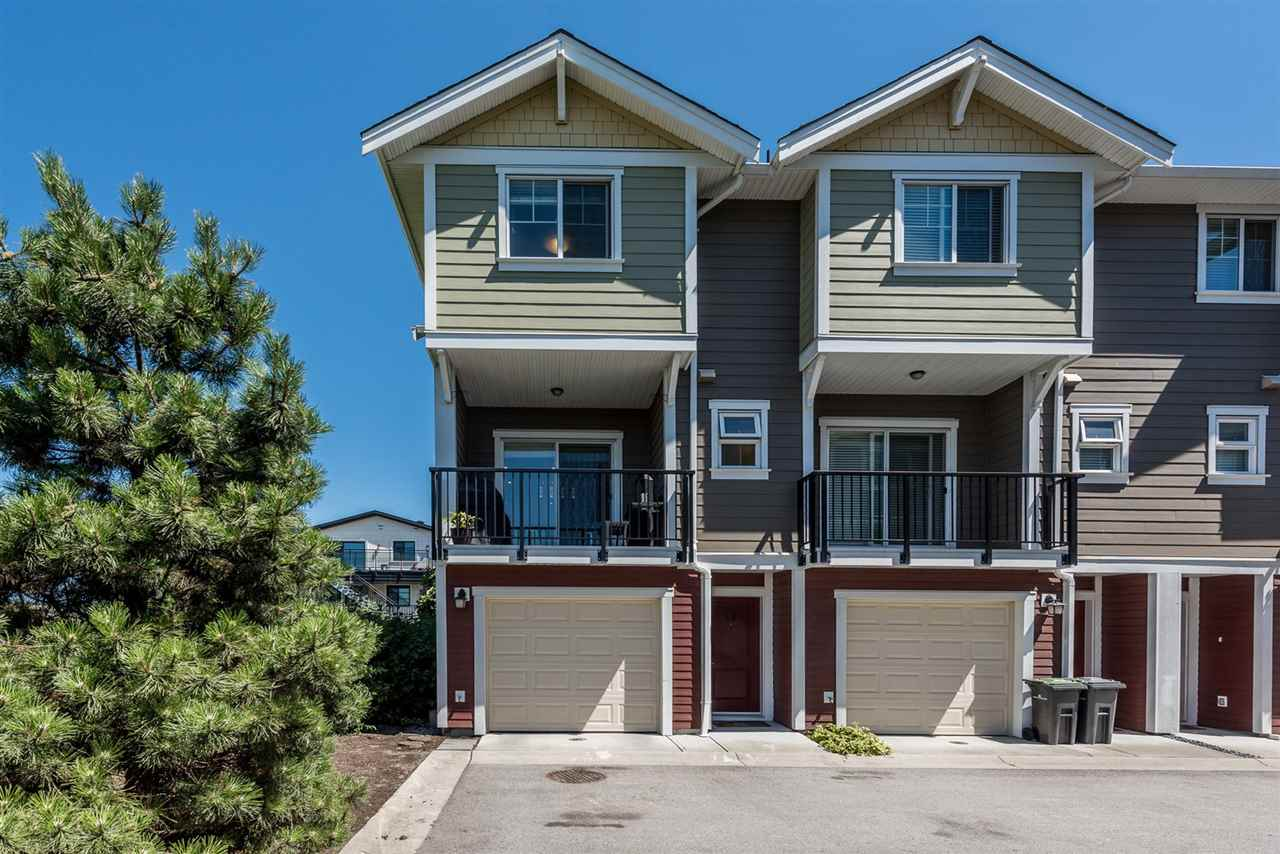12 1111 EWEN AVENUE, New Westminster