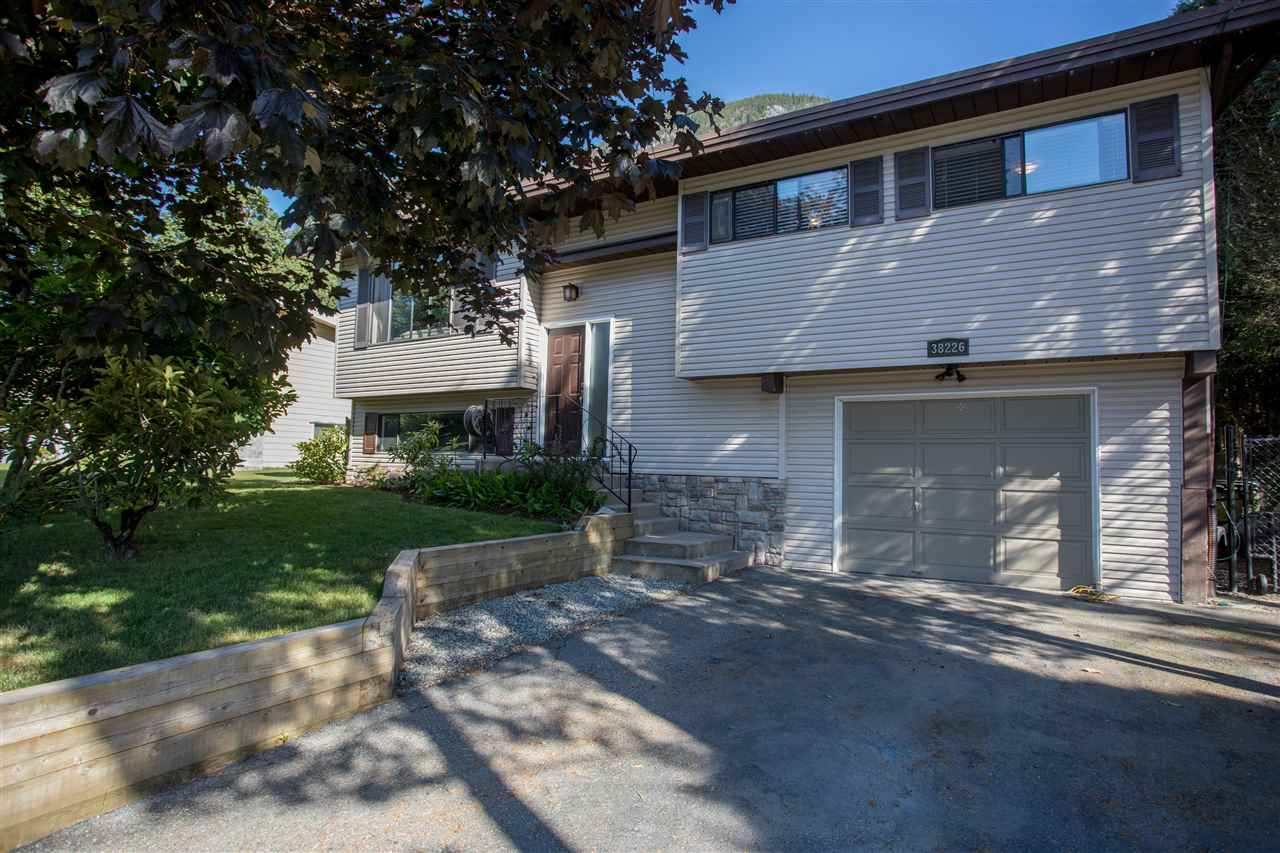 38226 CHESTNUT AVENUE, Squamish
