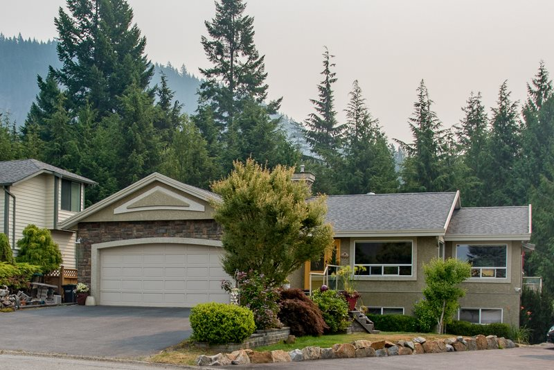 1004 TOBERMORY WAY, Squamish