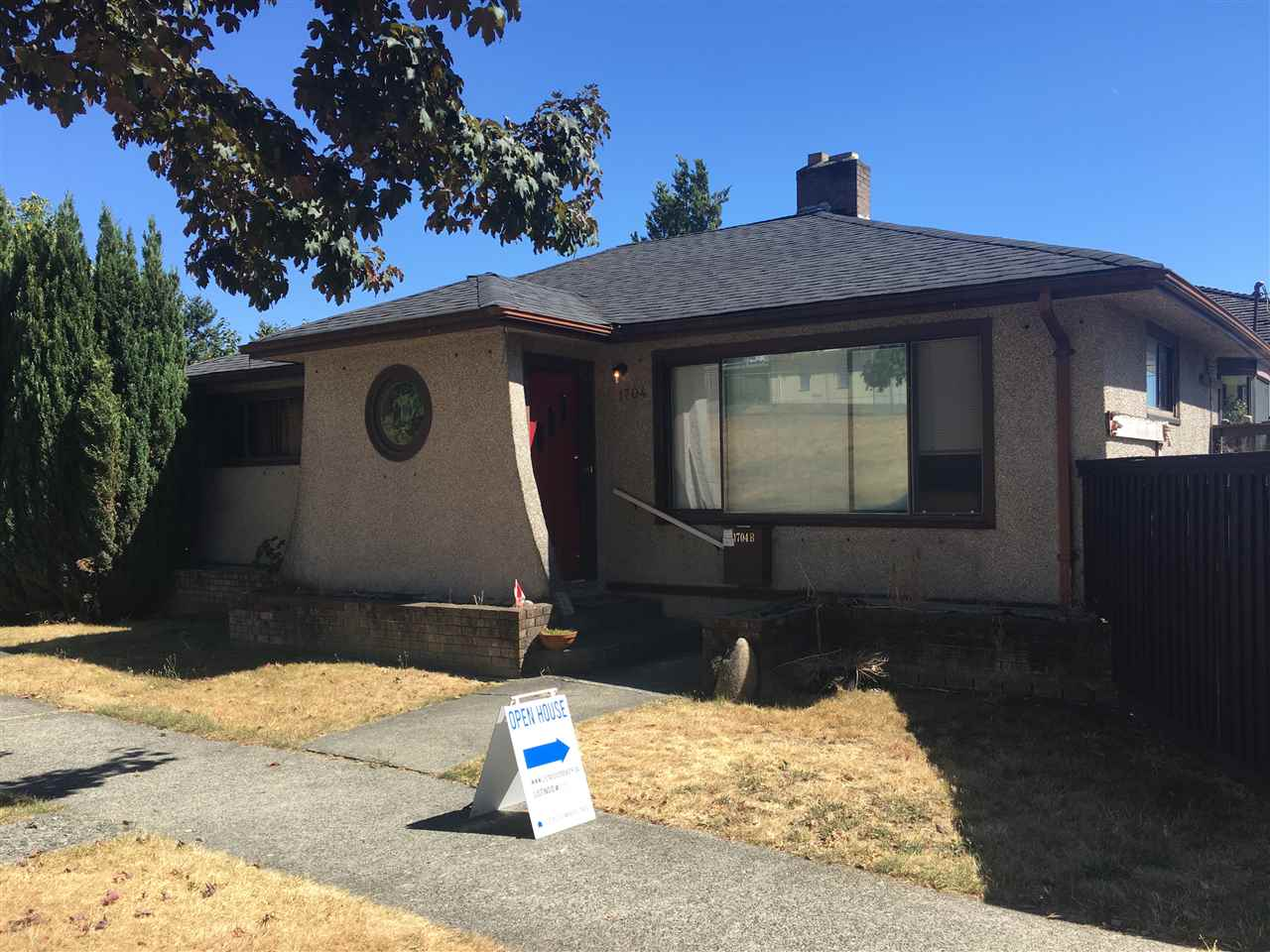 1704 HAMILTON West End NW, New Westminster (R2193600)